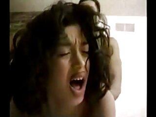 La chica misma se vuelve un poco loca sexo xxx español latino .