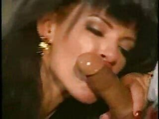 Casey está besando a una animadora, Tom. 2 videos de sexo gratis latino 1080p